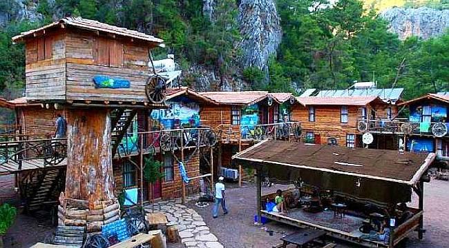 Kadir'in Ağaç Evleri Kalınacak En İyi Hostel Seçildi