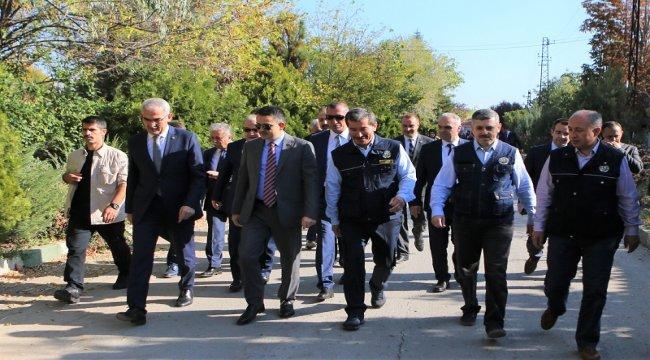 Bakanımızdan Sözlü ve Uygulamalı Sınava Giren Orman Mühendislerine Moral Ziyareti