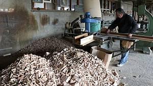 Atık malzemelerden tescilli oyuncak ürettiler