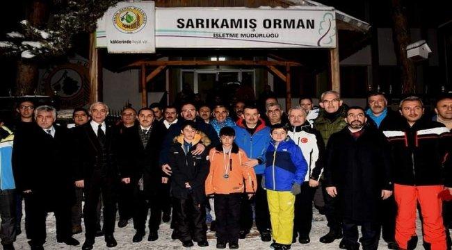 Tarım ve Orman Bakanımız ve Gençlik Spor Bakanımız Sarıkamış Orman Spor' un Başarılarını Kutladı.